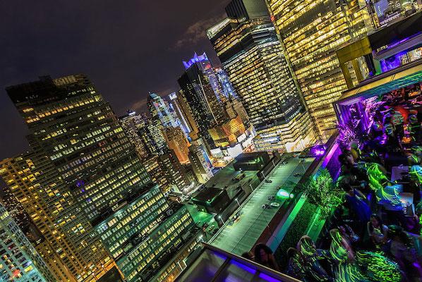 Times Square Skyline Lounge & Rooftop Bar - Sky Room NYC