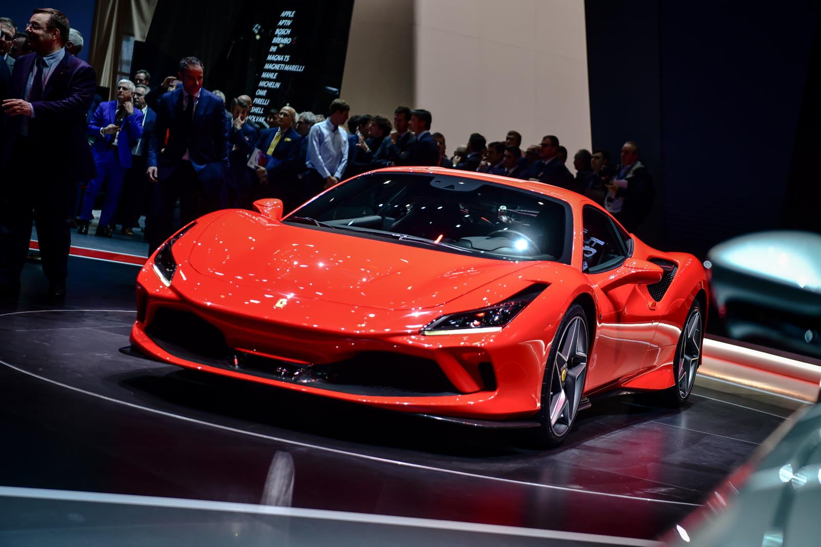 Ny Car Show >> Things To Do In Nyc During The Ny Auto Show Sky Room Nyc